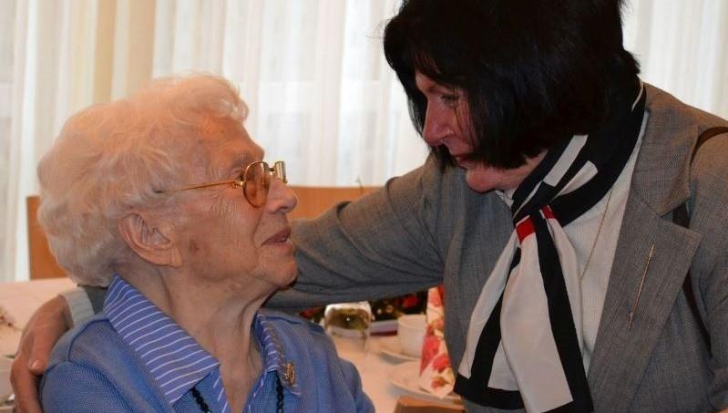 Die Kaffee-Pause der DRK Schwesternschaft Rheinpfalz-Saar e. V. bietet pflegenden Angehörigen in Neustadt Entlastung und demenzkranken Menschen in Neustadt fachspezifische Angebote.
