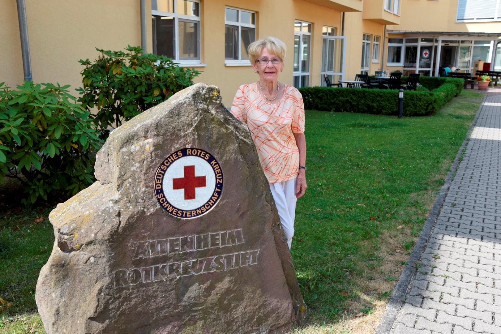 Heide Gottschalk leitet ehrenamtlich die KaffeePause im Altenheim Rotkreuzstift in Neustadt an der Weinstraße